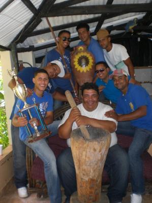 Grupo Folklórico Primaveral Recibe Premio de Abuelos Felices